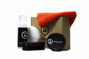 Leather cleaning and conditioning set (1)
